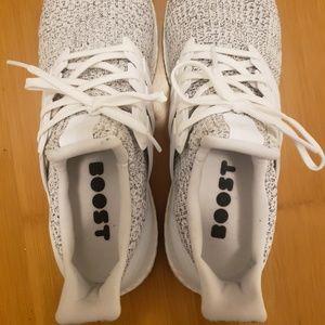 Men's White Ultraboost Running Shoes - Like New